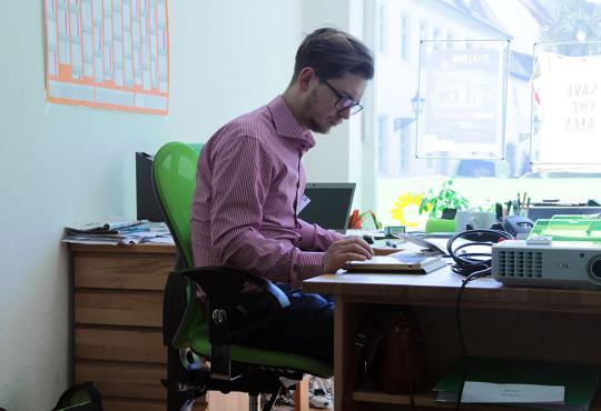 Bastian im Büro Wittenberg